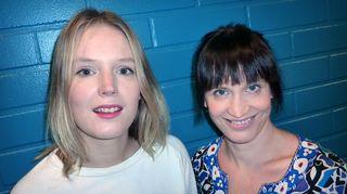 Pia Andersson (vas.) ja Maija Vilkkumaa