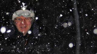 Pirkka-Pekka Petelius lumisateessa