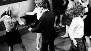 """TV2:n Helsingin toimituksen ohjelma """"Nuorten tanssihetki"""". Kuvausaika 7.9.1966"""