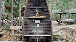 Vanhasta veneestä voi rakentaa oivallisen terassipenkin