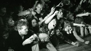 Exploited-punkyhtyeen konsertti Lepakossa vuonna 1983.