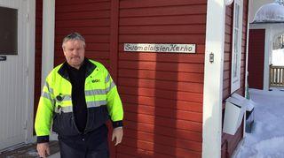 Kaivoksella 1970-luvulta asti työskennellyt Jouko Kangasniemi on aktiivinen myös suomalaisten kerhon toiminnassa. Huippuvuosien tapaan ovi ei enää käy, mutta edelleen kerho yhdistää suomalaisia.