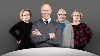Pyöreä pöytä - keskustelijat Anu Koivunen, Ruben Stiller ja Kaarina Hazard, keskellä puheenjohtaja Pauli Aalto-Setälä