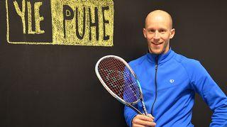 Kuvassa squash-ammattilainen Olli Tuominen.