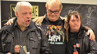 Kuvassa Pertti Kurikan Nimipäivien laulaja-sanoittaja Kari Aalto, basisti Sami Helle sekä rumpali Toni Välitalo.