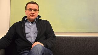 Kuvassa Jari Hautamäki Espoon Lyömätön Linja ry:stä.