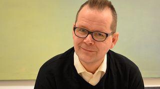 Kuvassa kirjailija Kari Hotakainen.