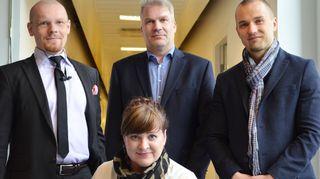 Kuvassa ovat Marjaana Toiminen, Timo Piiroinen, Pasi koistinen ja Sami Honkanen.