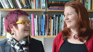 Kuvassa Taiteen edistämiskeskuksen johtaja Minna Sirnö ja taiteen ja tieteen varainhankinnan ammattilainen Heidi Lehmuskumpu.