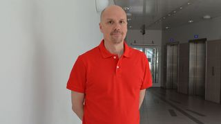 Kuvassa Jyri Komulainen