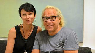 Kuvassa näytelmäkirjailija, käsikirjoittaja, dramaturgi ja ohjaaja Jussi Parviainen ja Katariina Souri.