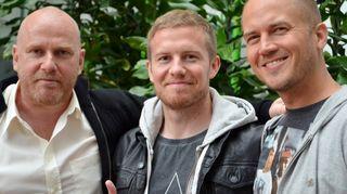 Kuvassa HJK:n puolustaja Sebastian Sorsa sekä Petteri Sihvonen ja Tommy Lindgren.