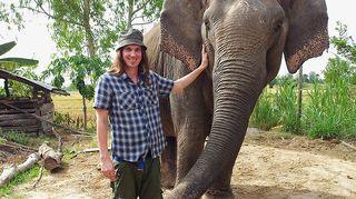 Kuvassa Sike ja norsu nimeltä Surin.