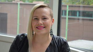 Kuvassa laulaja Jonna Christensen.