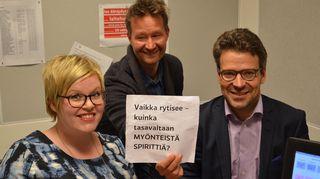 Kuvassa Keskustan varapuheenjohtaja Annika Saarikko ja Vihreiden puheenjohtaja Ville Niinistö.