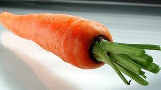 Kuvassa porkkana.