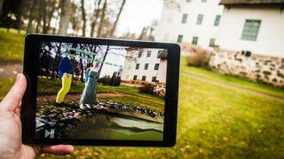 Kulttuurimatkailija voi seikkailla 1800-luvun aikaisessa Mannerheimien kotikartanossa tavallisen tabletin avulla Turun yliopistossa kehitetyllä sovelluksella.