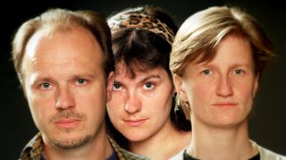 J.P. Pulkkinen, Marika Kecskeméti ja Minna Lindgren tekivät Merkkituote-ohjelmaa. Kuva vuodelta 1998.