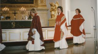 Pappisvihkimys 1988. Irja Askola