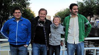 Poikani Allan, Alex ja Pepe. Kuusi kuvaa Rauli Virtanen