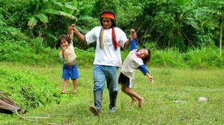 Equadorin Amazonaksella. Kuusi kuvaa Rauli Virtanen