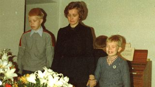 Isän hautajaiset tammikuussa 1980