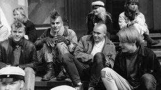 Teinivuosina Petri Räisänen innostui punk-musiikista.