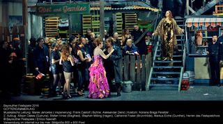 Oopperailta Bayreuthin musiikkijuhlilla: Richard Wagnerin Jumalten tuho.