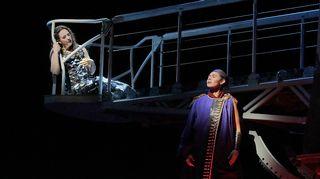 Susanna Phillips (Clémence), Tamara Mumford (Pyhiinvaeltaja)