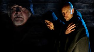 Radioteatteri esittää: Ruusun nimi.  Kuvassa Esko Salminen (Vanha Adso), Aaro Wichmann (Adso) ja Kari Heiskanen (William of Baskerville)  (2010)