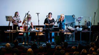 Live-kuunnelma Kita. Jaana Saarinen, Ella Lahdenmäki, Sanna-Kaisa Palo ja Leena Uotila.