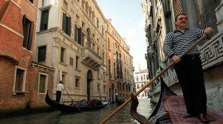 Todellisia tarinoita: Venetsian pojat - kanavassa uiminen kielletty