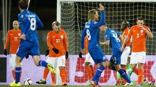 Islanti juhlii Hollantia vastaan