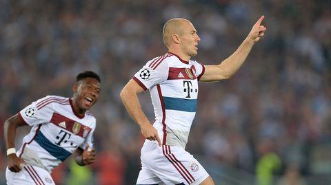 Bayern Münchenin Arjen Robben iski kaksi maalia Roman verkkoon