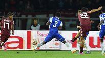 Torinon Amauri tekee 2-0-maalin HJK:n verkkoon Eurooppa-liigan lohkovaiheen ottelussa 23.10.2014