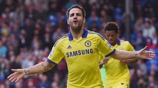 Chelsean Cesc Fàbregas tuulettaa maaliaan.