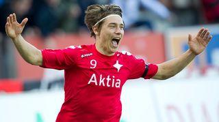 HIFK:n Pekka Sihvola juhlii