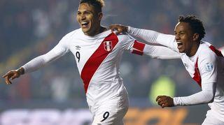 Perun Jose Paolo Guerrero ja Andre Carrillo