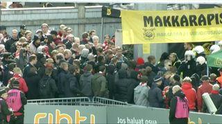 HIFK-kannattajat riehuivat Tampereella