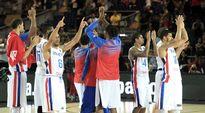 Video: Dominikaanisen tasavallan pelaajat taputtelevat koripallon MM-kisoissa 2014