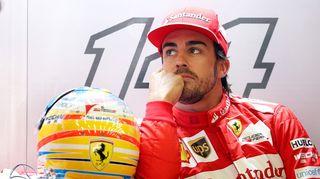 Ferrarin Fernando Alonso lähikuvassa.
