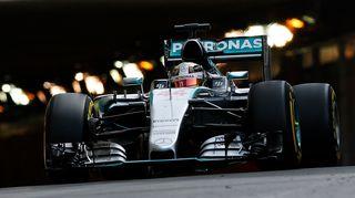 Lewis Hamilton kuvassa