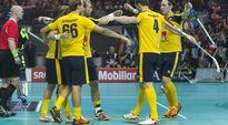 Video: Ruotsin salibandymaajoukkue juhlii MM-kisoissa 2012.