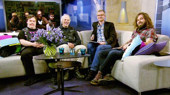 Video: Pertti Kurikan nimipäivät -nimisen bändin jäseniä vieraili aamu-tv:n studiossa.