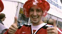 Video: Sveitsiläinen jääkiekkofani.