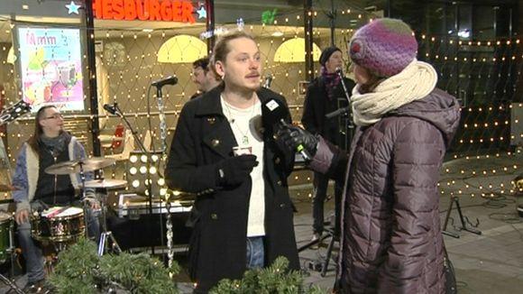 Video: Sari Huovinen haastattelee Jonne Aaronia.