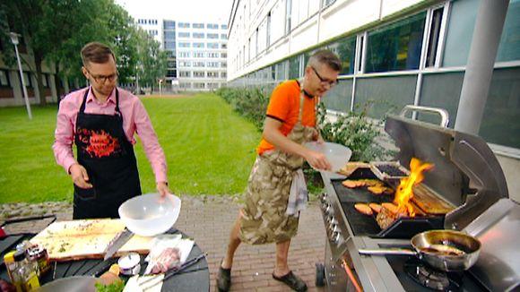 Video: Joonas Turunen ja Sami Garam grillauspuuhissa.