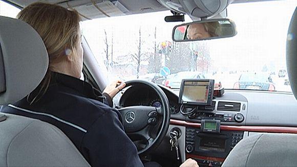 Taksi tilataan yhä useammin tekstiviestillä | Yle Uutiset | yle.fi