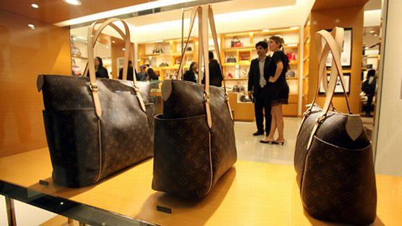Merkkilaukkuja Tampere : Luksusasusteet tekev?t kauppansa taantumasta huolimatta