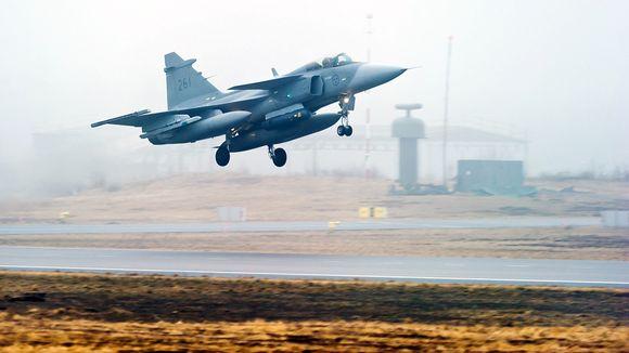Ruotsin ilmavoimien käyttämä JAS 39 Gripen -hävittäjälentokone.